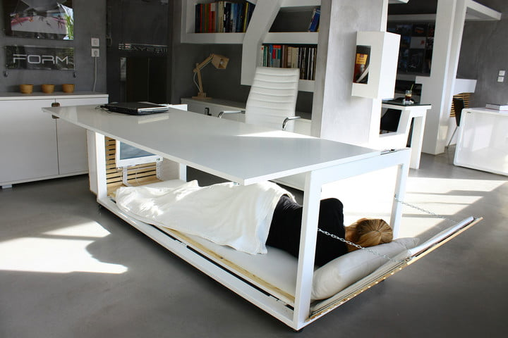 this bed desk would make it easy to nap at work 1  6 s m of life 003