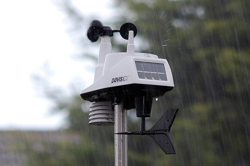 Davis Vantage Vue >> Watch the Sky with the Best Home Weather Stations ...