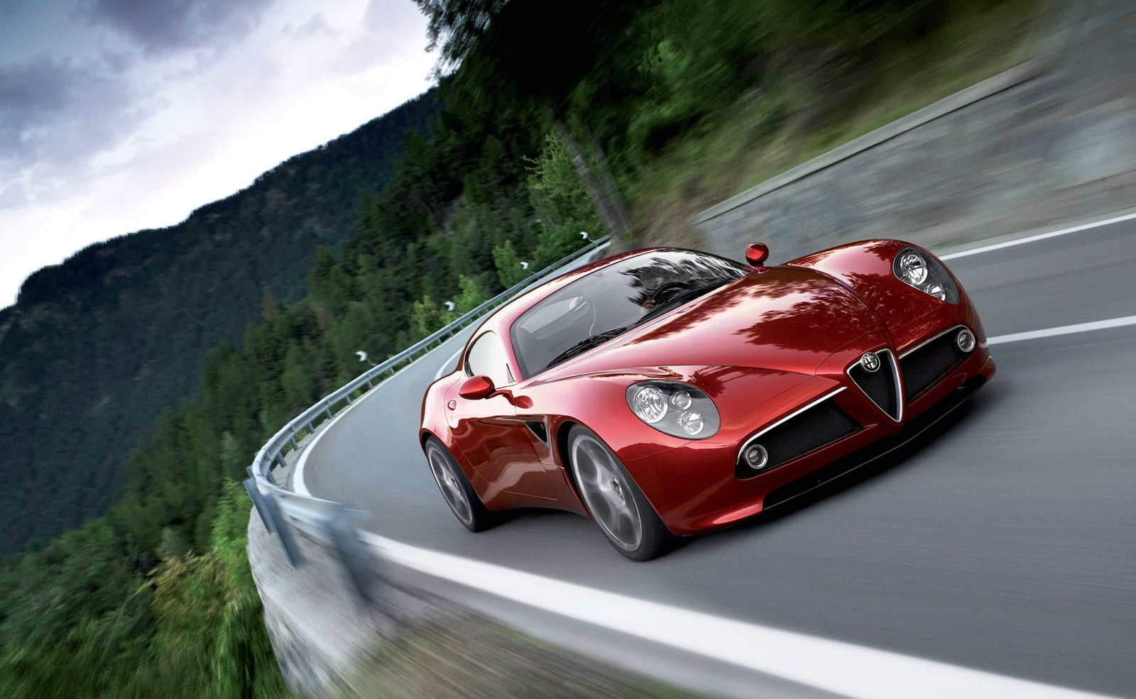 Alfa Romeo S Working On A New 8c Gas Electric Plug In Hybrid Supercar Digital Trends