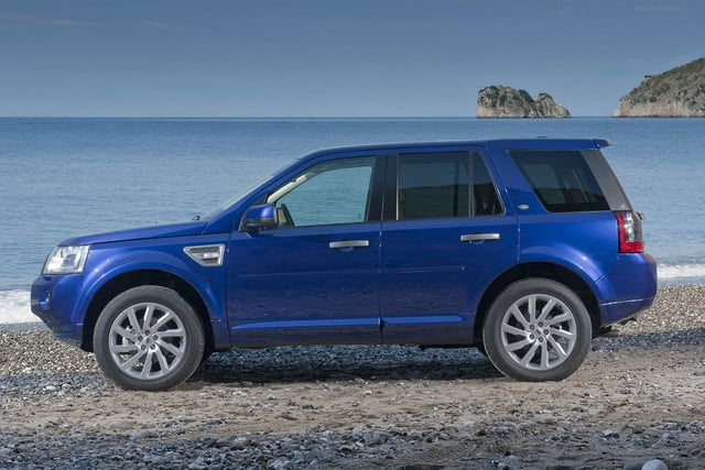 11 cars that will go extinct in 2016 2011 land rover lr2 2