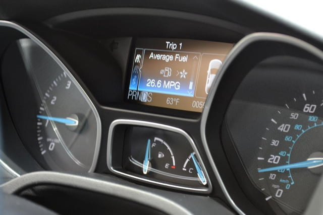 2012 ford focus sel review dash