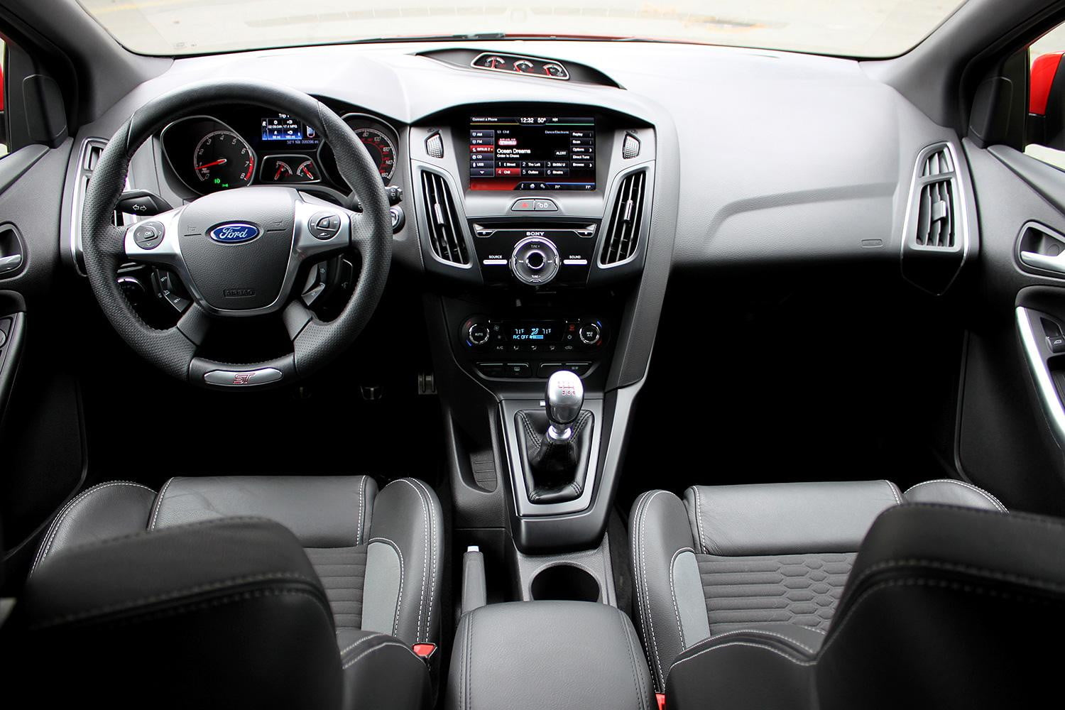 ford focus st review cabin front - Ford Focus St Interior