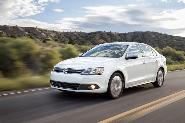 jetta review volkswagen reviews image autotrader new hybrid car large featured