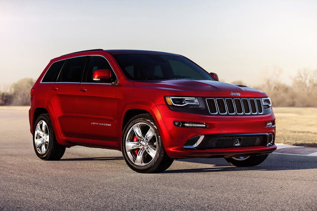 2014 Jeep Grand Cherokee SRT Front Right 2