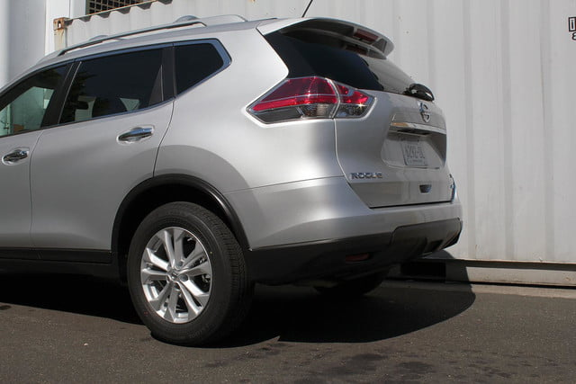 2014 Nissan Rogue SV back section