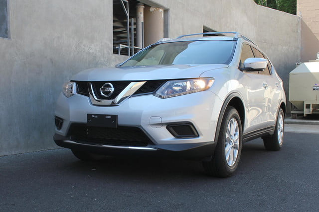 2014 Nissan Rogue SV front side angle