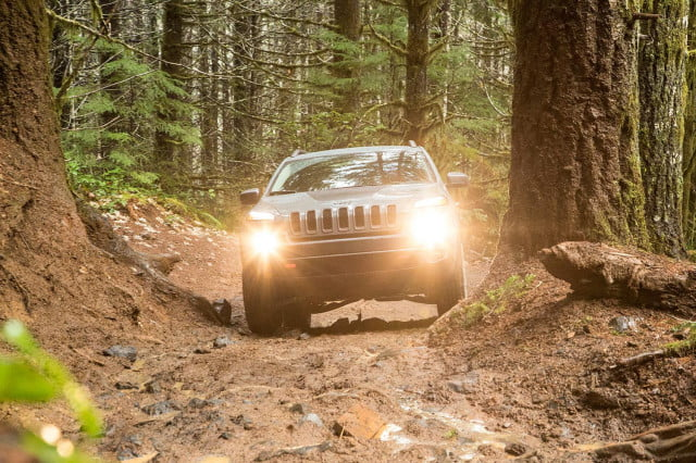 2015 Jeep Cherokee Trailhawk front