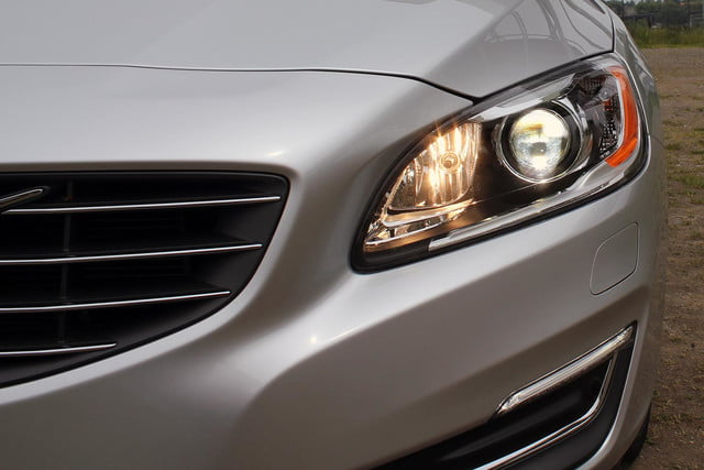 2015 Volvo S60 T6 Drive E headlight