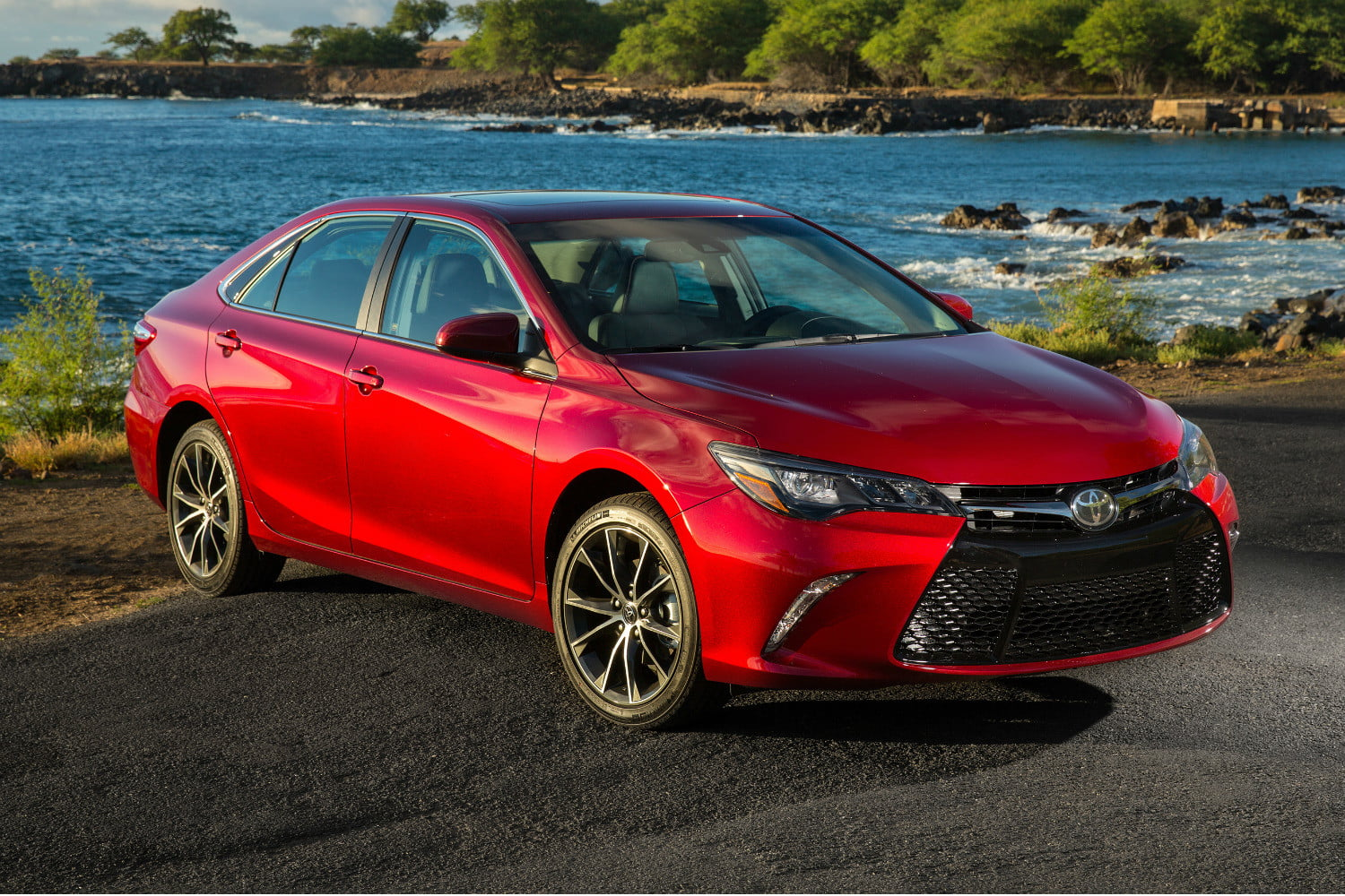 The 2017 Toyota Camry Gains More Standard Features But No Price Increase