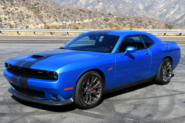 2017 dodge challenger rt manual