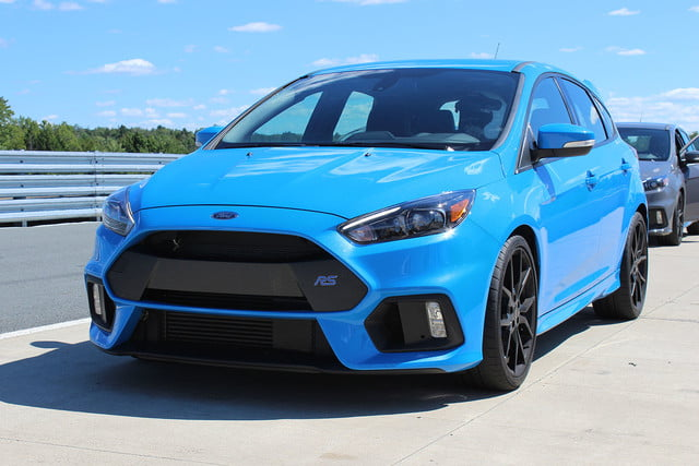 2016 ford focus rs first drive front angle 3
