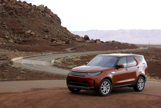 2017 land rover discovery first drive landrover review 000110