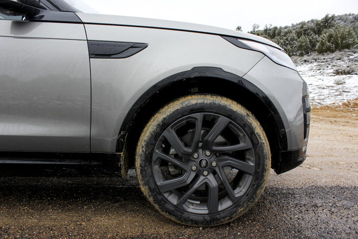 2017 land rover discovery first drive landrover review 000124