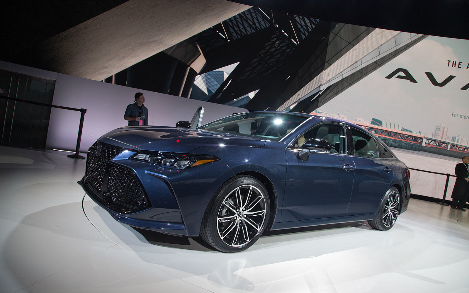 2019 Toyota Avalon Ditches Humdrum Design For Something Dramatic Digital Trends