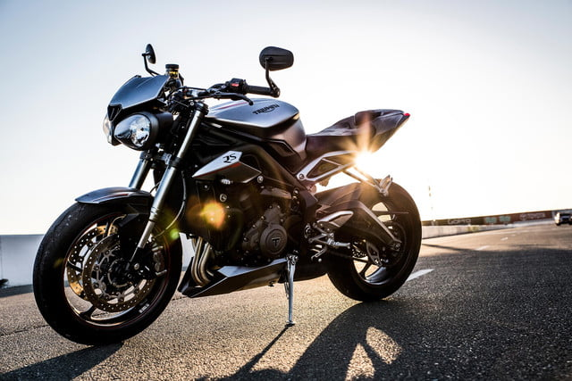 A New Engine Defines The 2018 Triumph Street Triple Digital Trends