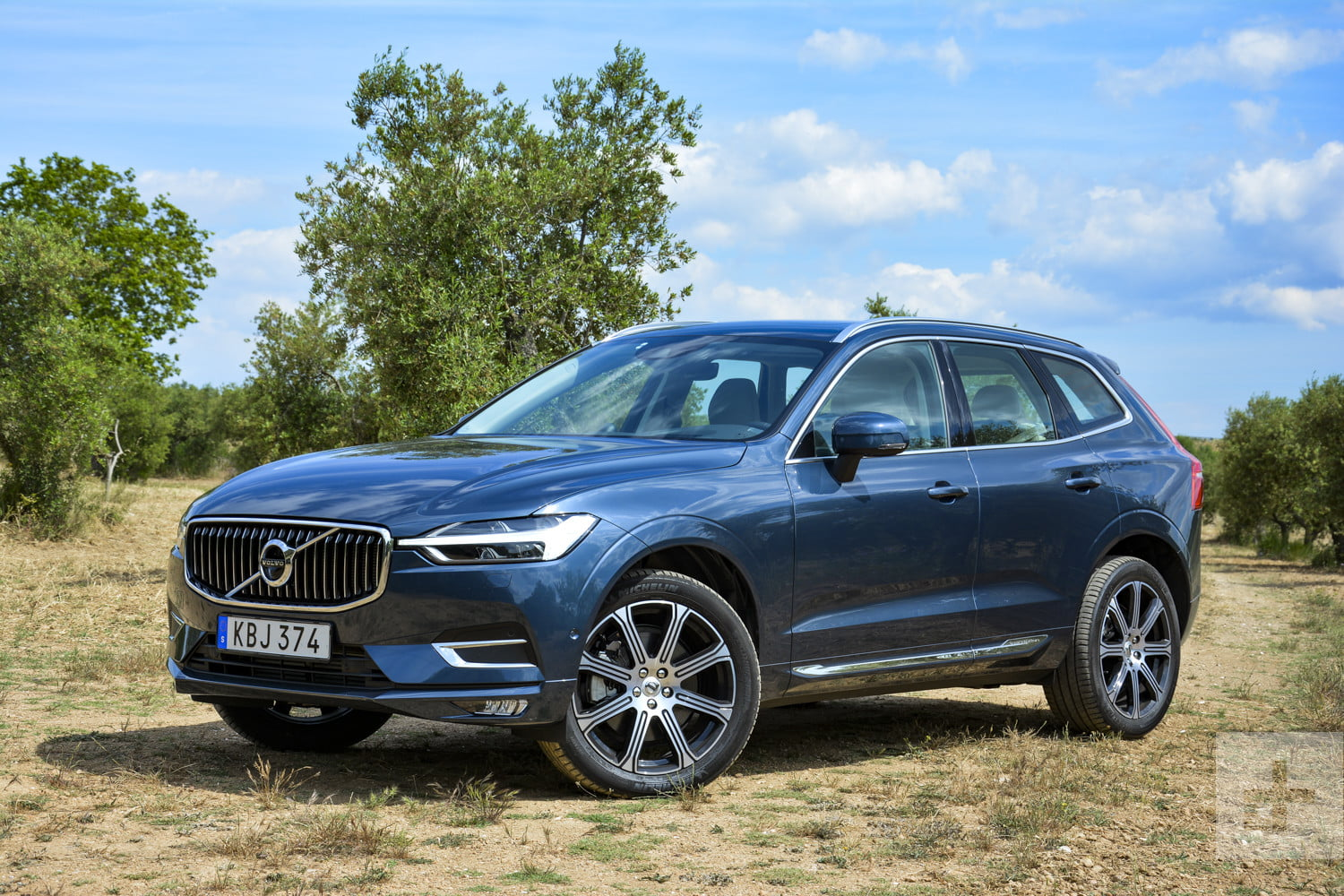 2018 volvo xc60 review a handsome tech friendly suv. Black Bedroom Furniture Sets. Home Design Ideas