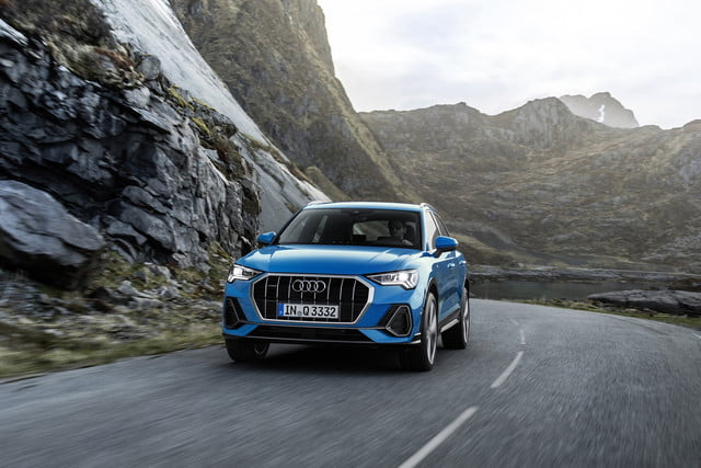 2019 audi q3 brings more tech and luxury to the subcompact. Black Bedroom Furniture Sets. Home Design Ideas
