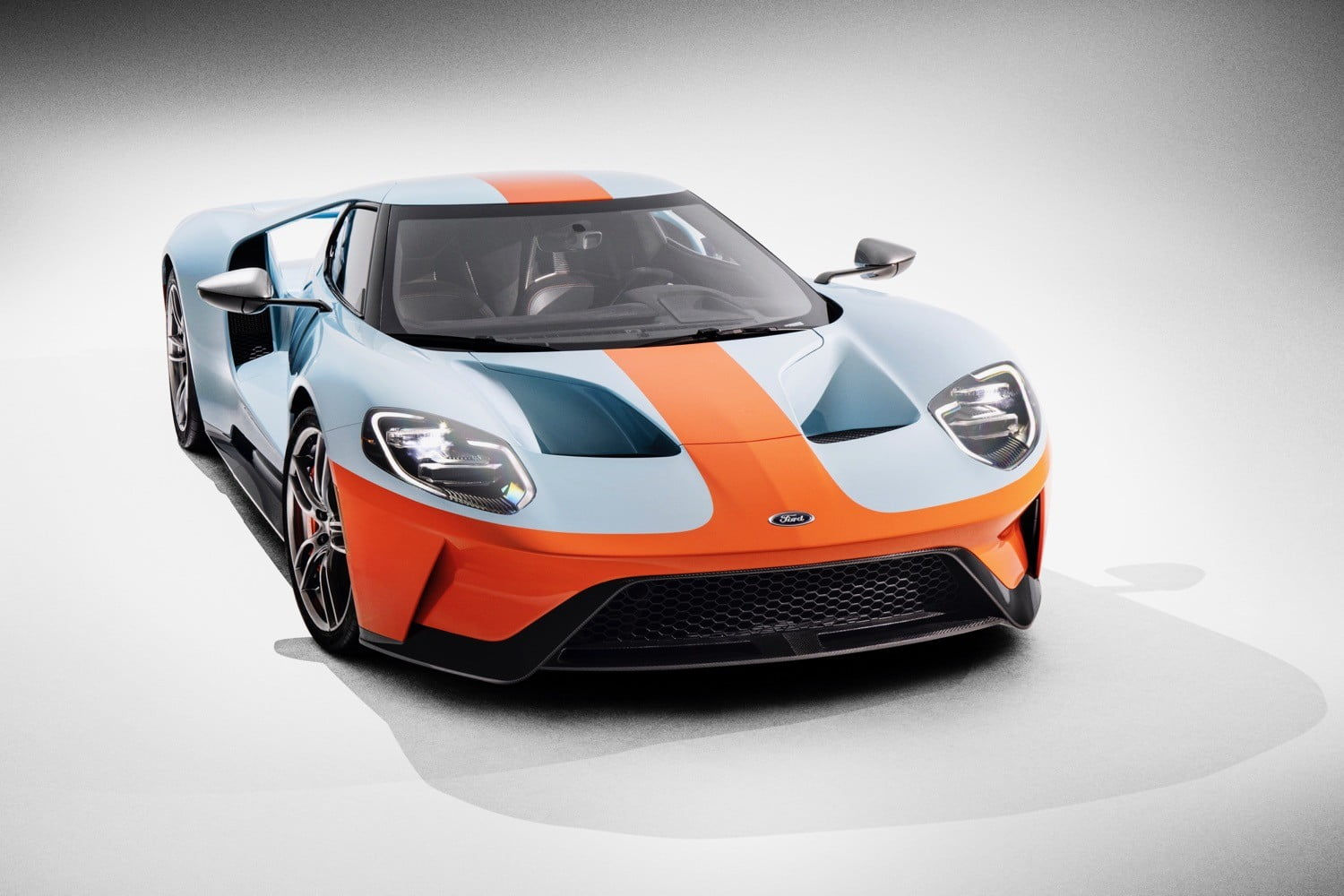 2019 ford gt heritage edition debuts with gulf oil livery digital trends