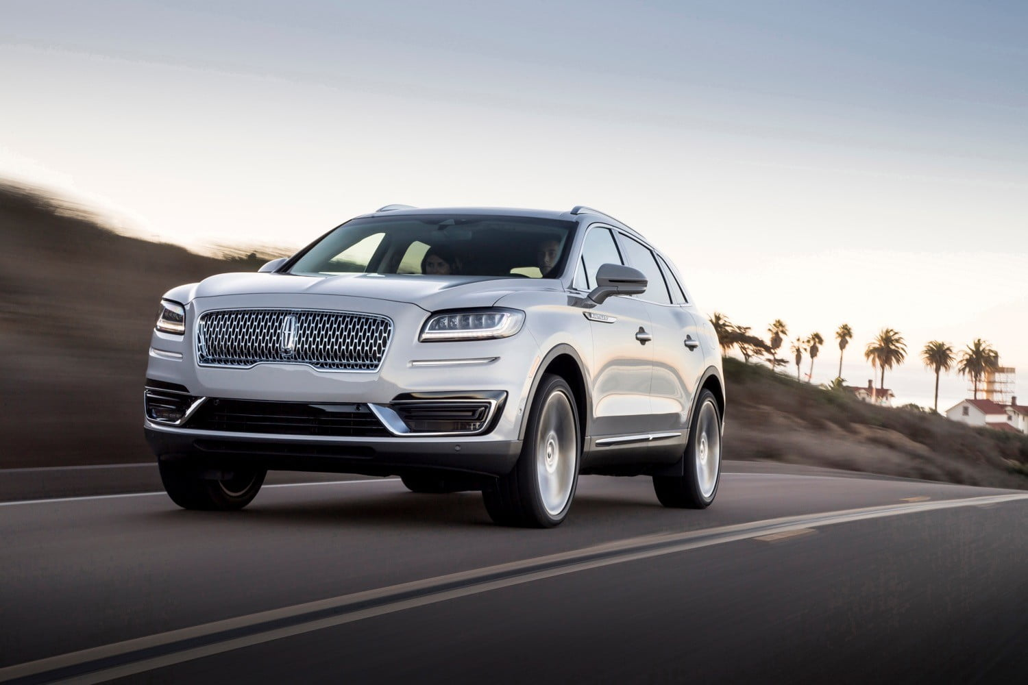 2019 Lincoln Nautilus Official Photos Details And Specs