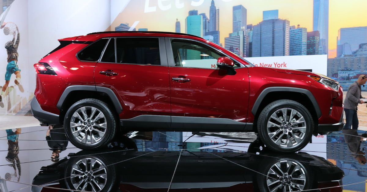 2019 Toyota RAV4 Arrives in New York With More Style, New ...