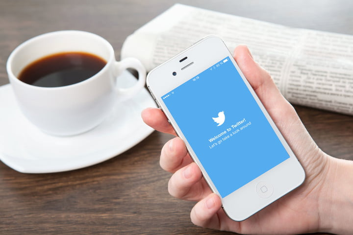 Twitter test makes news the first thing users see in the timeline