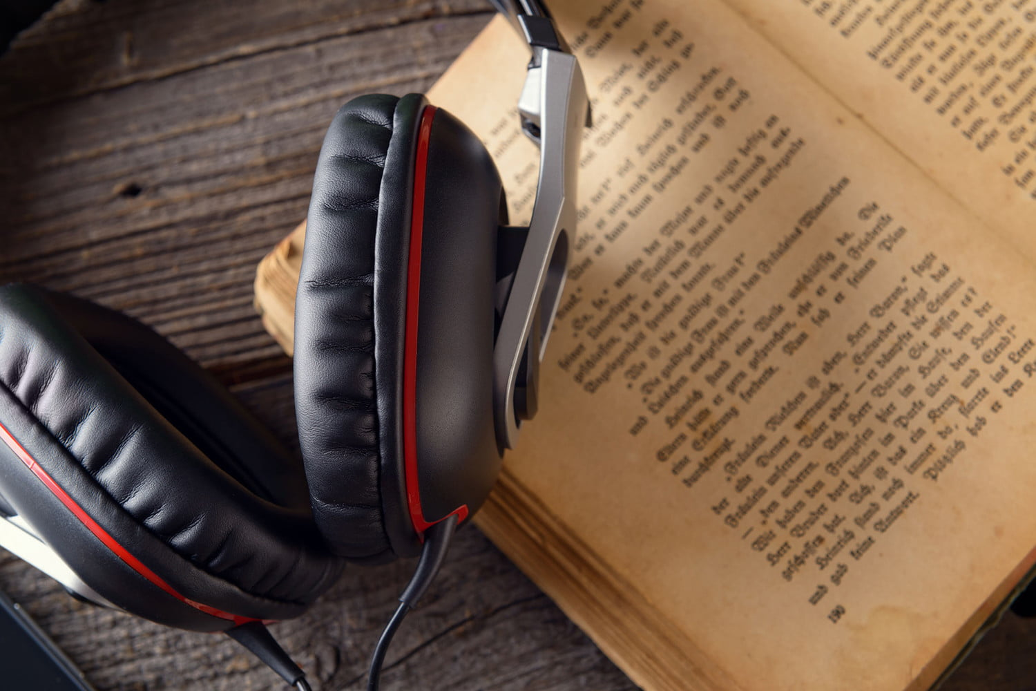 Apple releases six celebrity-narrated audiobooks, and they're all free