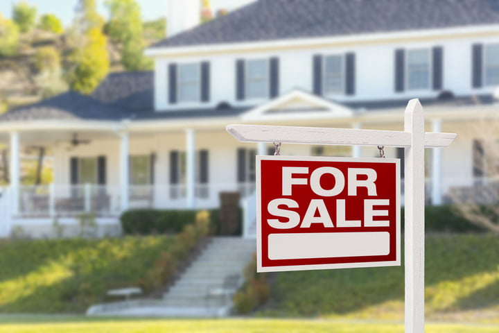 Housecanary Resale Price 35896987 Home For Sale Real Estate Sign In Front  Of Beautiful New House