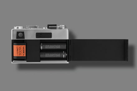 The Yashica Digifilm Y35 is a film-digital hybrid with swappable digital film