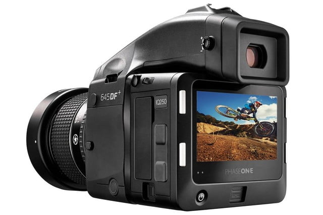 phase one iq250 is worlds first cmos based medium format digital back 645df  55mm