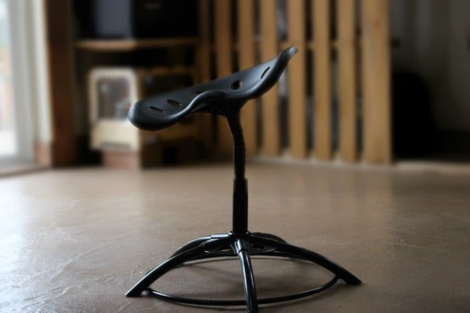 Make sitting an active activity with the MÜV chair on Kickstarter