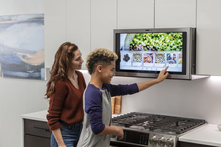At Ces 2019 Ge Appliances Brings Its Smart Kichen Hub To Market