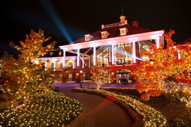 best holiday light displays a country christmas gaylord opryland resort