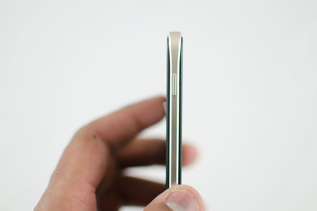 How To Open Alcatel Idol 4 Back Cover
