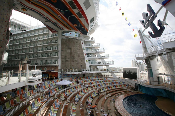 worlds largest cruise ships allure of the seas 001