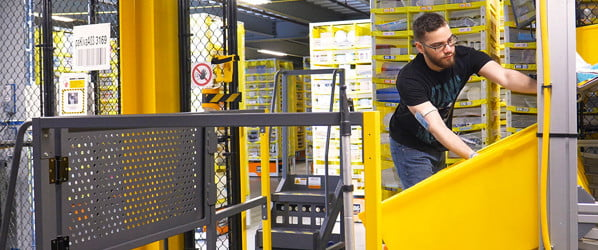 Amazon boosts  productivity by  gamifying warehouse workers' tedium