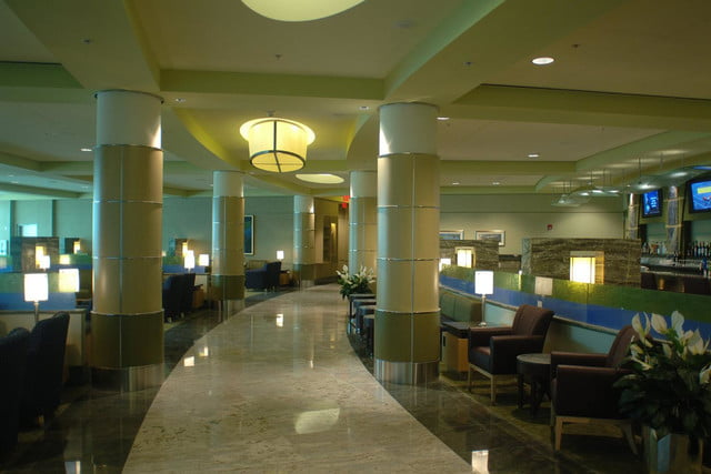 the worlds best airport lounges american airlines admirals club  dfw