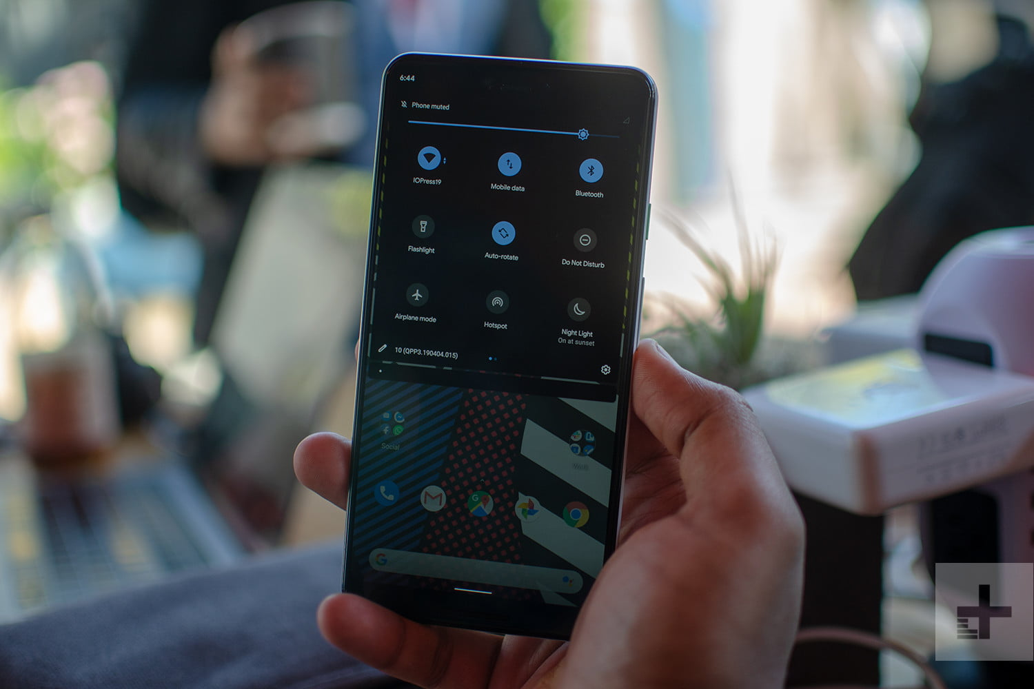 Android 10 Q Hands-on Review: 5G, Privacy, and More ...