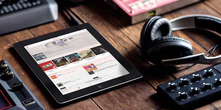 Apple Music vs  Spotify | Which Service is the Streaming King