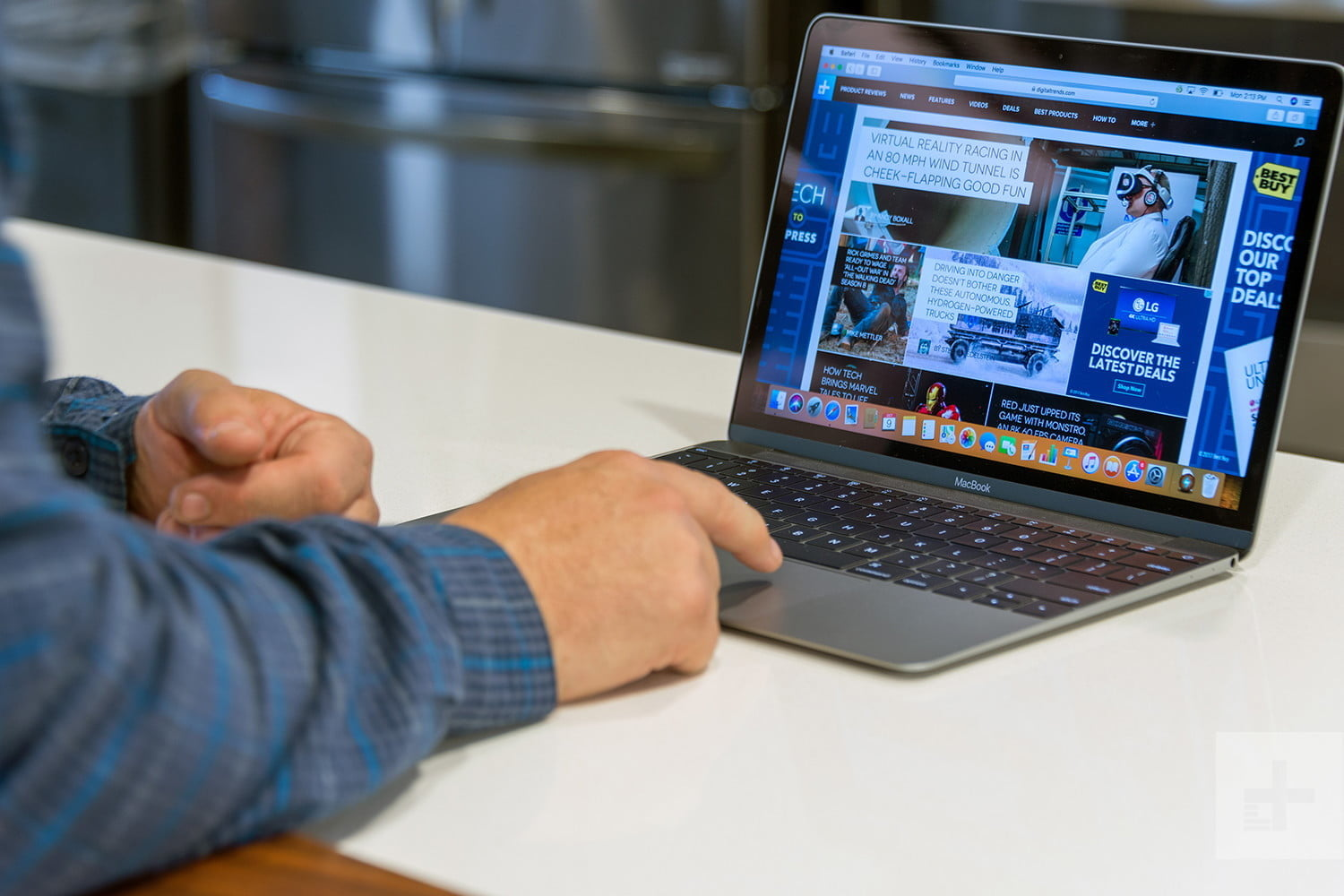 Apple MacBook-review-hero1