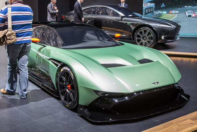 aston martin vulcan official spec pictures and performance 1