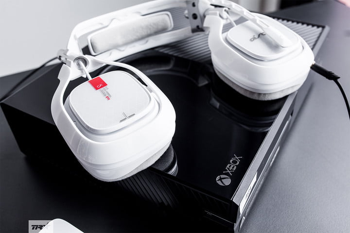 best xbox one headsets astro a40