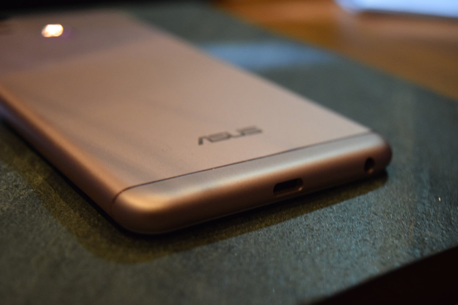 Asus Takes The iPhone 7 Plus Design, Then One Ups Its Dual ...