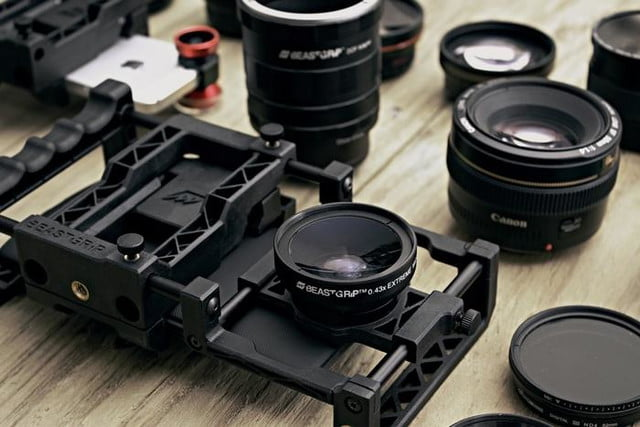 beastgrip pro rig turns regular smartphones into an interchangeable lens camera 9