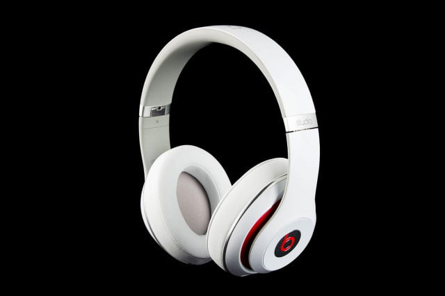 Beats by Dre Studio 2013 front angle