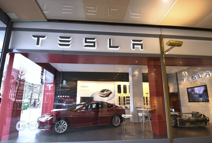 road rave subscription direct sales threaten traditional car dealers belgium us auto tesla
