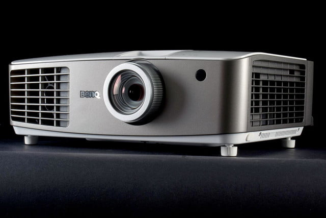 BenQ W1500 Projector front4