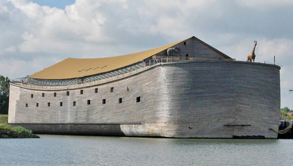 Before the flood: Take a tour of a Noah's Ark replica in virtual reality