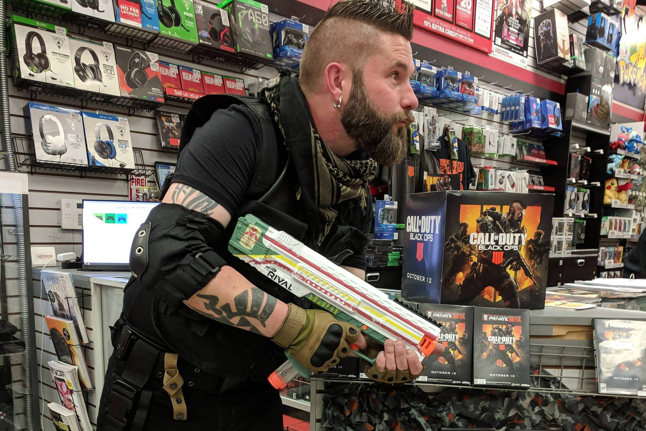 Gamestop Manager Does Perfect Call Of Duty Black Ops 4 Cosplay