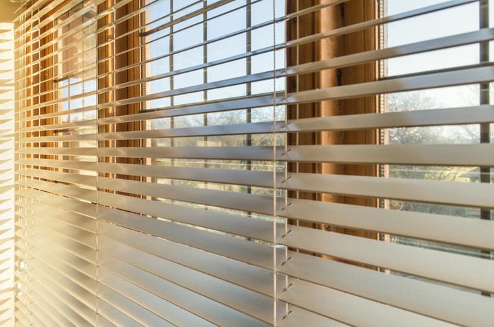 Tilt My Blinds lets you control your window shades remotely via smartphone