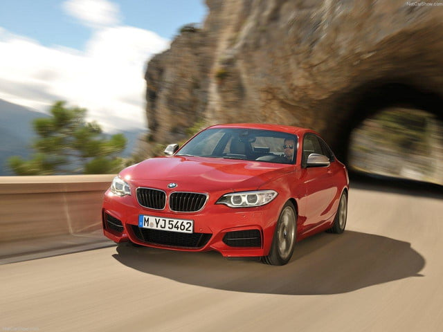 BMW-M235i_Coupe_front angle